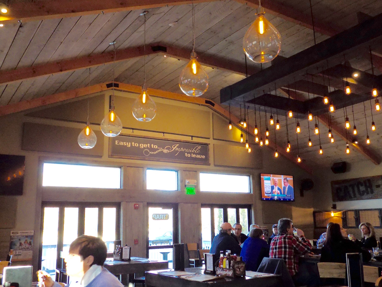 Acoustic Panels Reduce Echo In Restaurant For Noise Abatement
